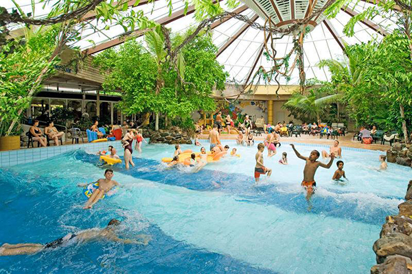 Vijf populairste landal bungalowparken - Fotos van het zwembad ...