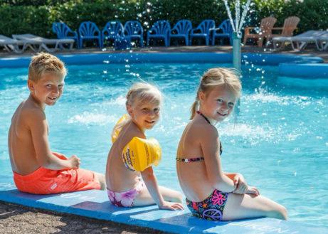 Molecaten-De-Leemkule-buitenzwembad