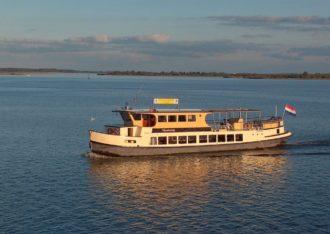 Rondvaarten over het Lauwersmeer