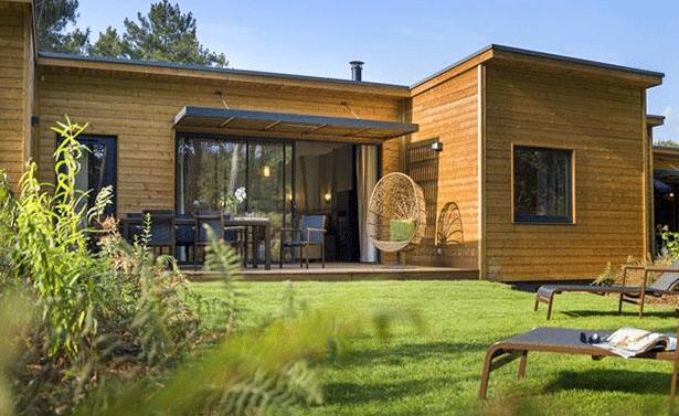 Eigentijds interieur voor de nieuwe cottages op bois aux for Eigentijds interieur