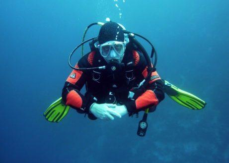 divers-668777_960_720