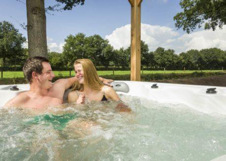 Deze villa met buiten-bubbelbad is écht top!