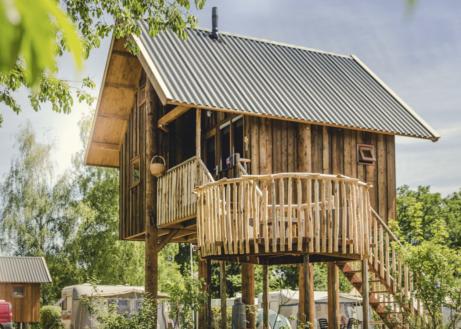 Deze boomhut is ideaal voor een avontuurlijke vakantie
